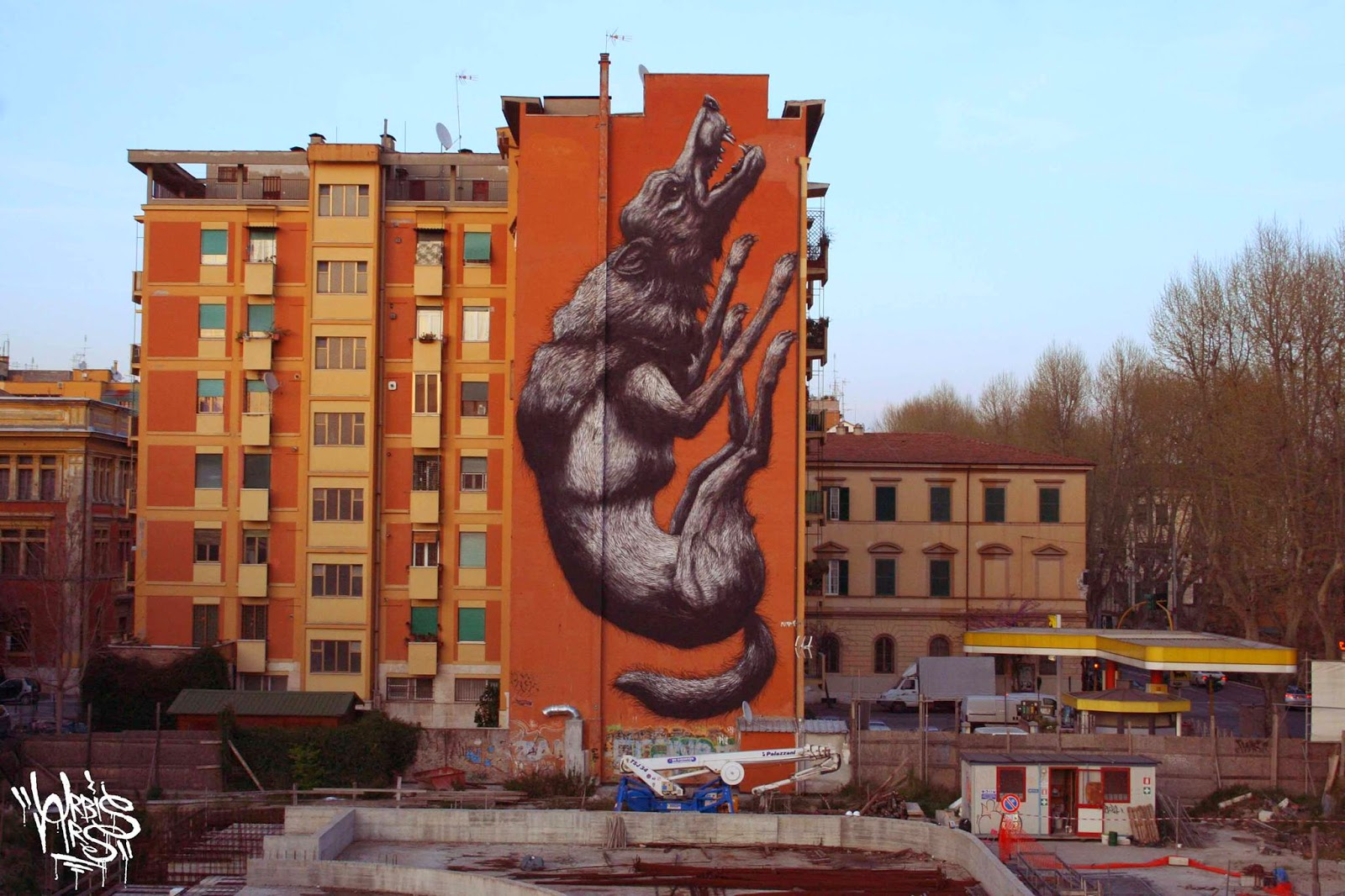 While we last heard from him in New-Zealand earlier this year (covered), ROA is now back in Europe where he spent the last few days working on one of his biggest piece to date on the streets of Rome, Italy.