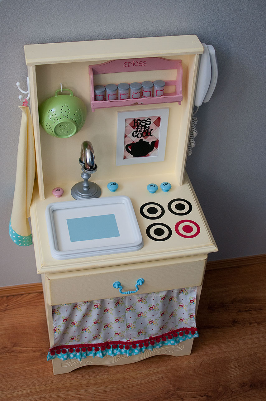 Little Gray Table Play Kitchen Reveal