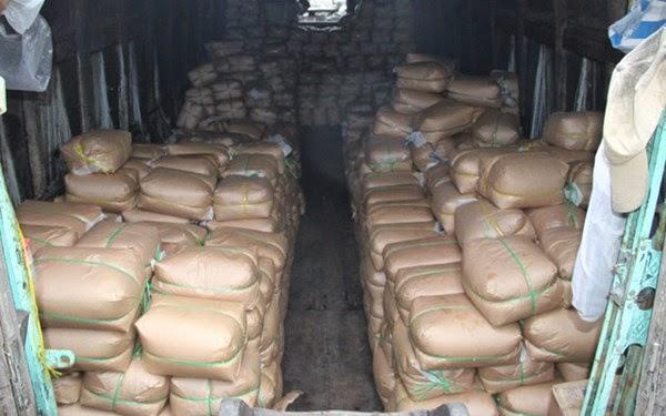 vận chuyển số lượng lớn đường cát và bột ngọt không hóa đơn chứng từ