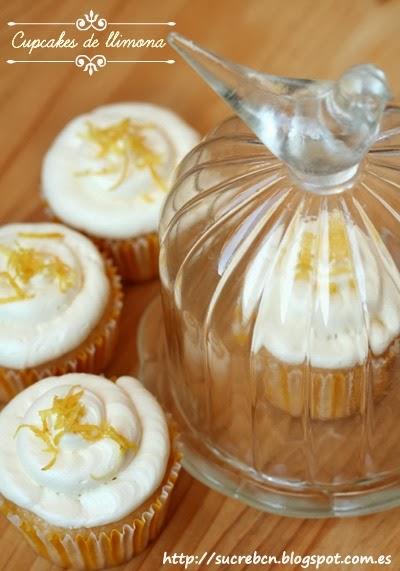 receta de cupcakes de limón, recepta de cupcakes de llimona, frosting de limón, frosting de llimona, merengue suizo de limón, merengue suis de llimona, swiss merengue buttercream, cobertura de cupcakes, cobertura de limón, lemon curd, salsa de limón, salsa de llimona, madalena de limón, magdalena de limón, magdalena de llimona, receta tarta de limón, receta pastel de limón, recepta pastís de llimona