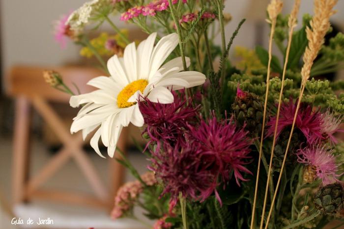 a veces las cosas ms sencillas son las ms bellas un simple ramo de flores silvestres puede resultar tan hermoso como el ms sofisticado bouquet de flores - Ramos De Flores Silvestres
