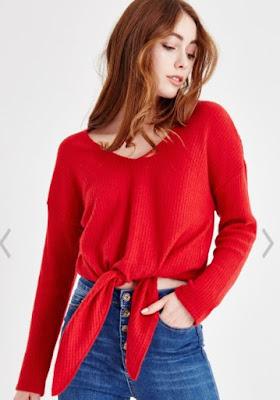 V yaka kırmızı kazak bayan