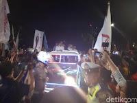 Naik Land Rover Kerlap-Kerlip, Jokowi-Ma'ruf Amiin Tiba di KPU
