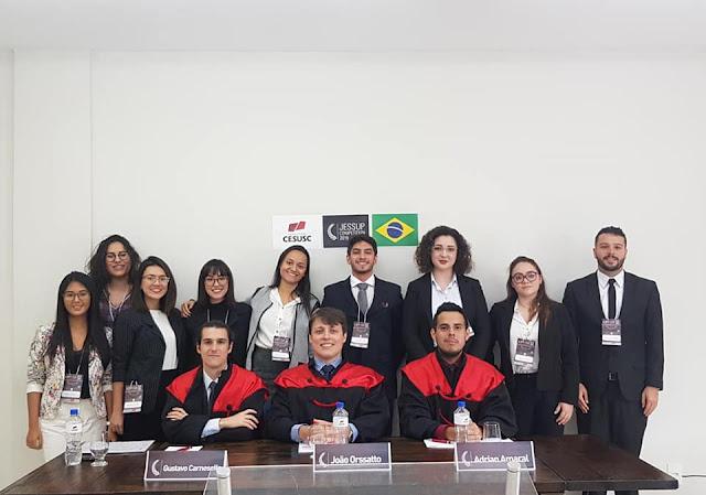 Guajaramirense participa como juiz de certame internacional de direito