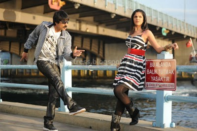 Deeksha Seth Scene Nippu hot Gallery