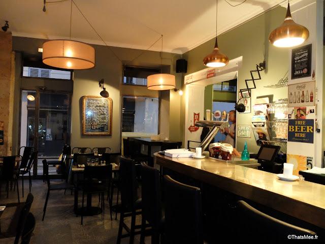 bar salle bouchon des batignolles resto bar bistrot bar à vins Paris 17eme