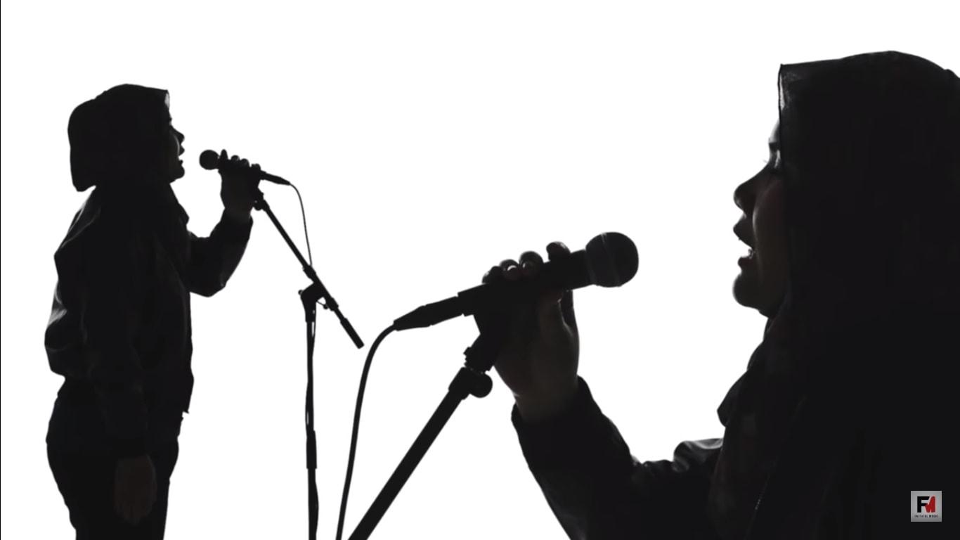 Lirik Lagu Hanya Mimpi - Caliph Buskers | MV terbaik & lyrics penuh makna!