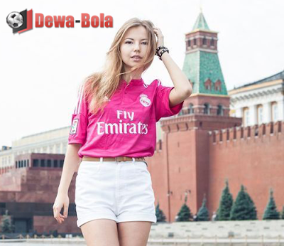 fan girl real madrid russia