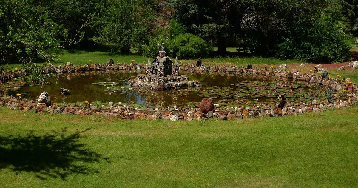 Jeffrey bale 39 s world of gardens peterson 39 s rock garden for Circular garden ponds