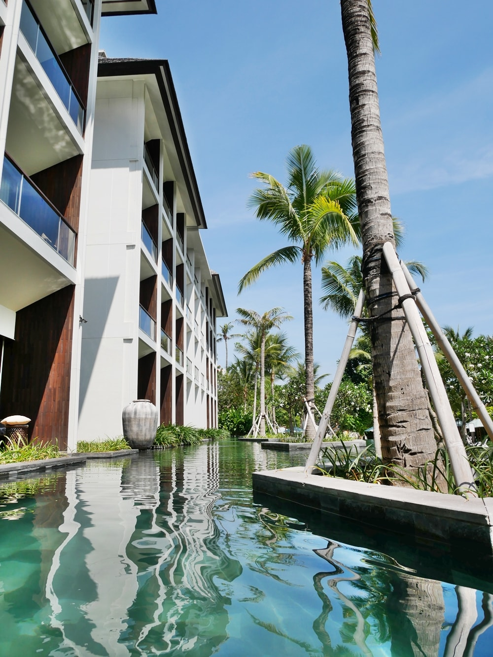 CHECK-IN AT THE ANVAYA BEACH RESORT KUTA