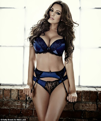 Kelly Brook poses in festive New Look lingerie | images