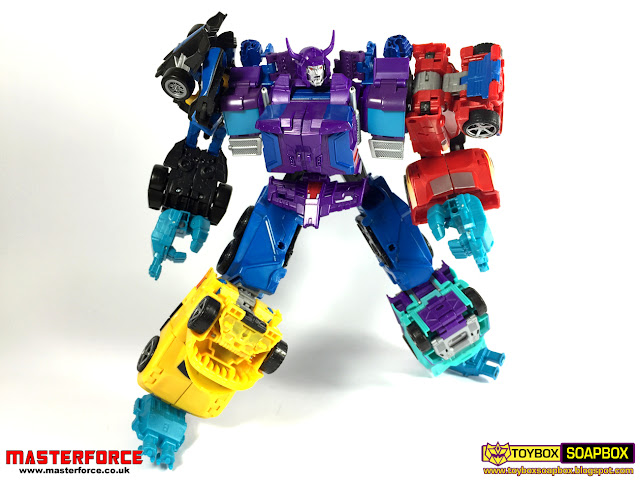 transformers combiner wars g2 menasor feet