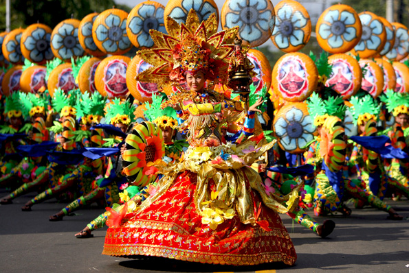 Sinulog Festival happens every 3rd Sunday of January in Cebu City, Cebu, Philippines. It is one of the grandest festivals in the Philippines.