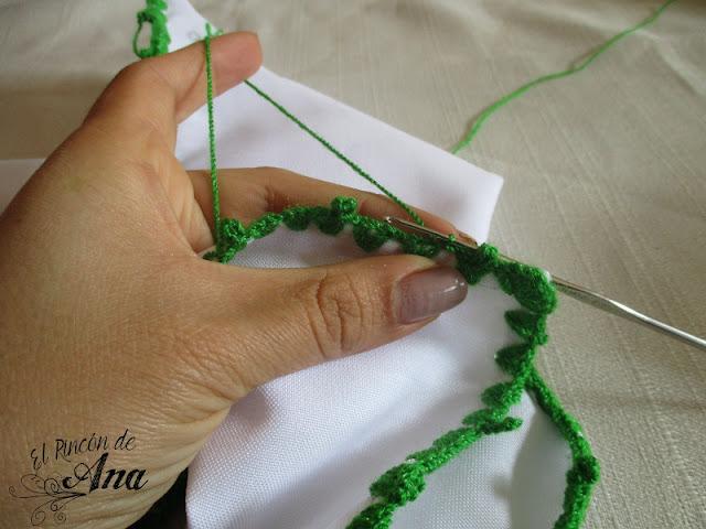 Orilla tejida para servilleta con ganchillo