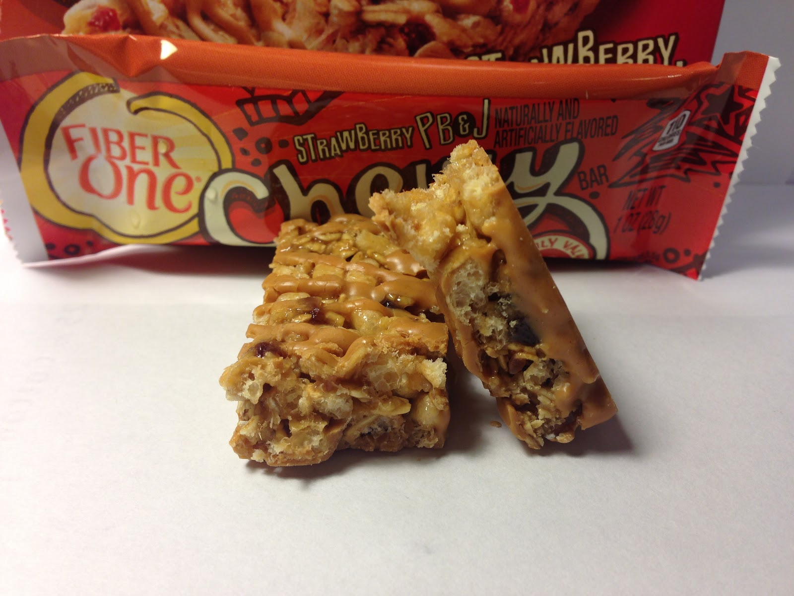 Crazy Food Dude: Review: Fiber One Strawberry PB&J Chewy Bar on