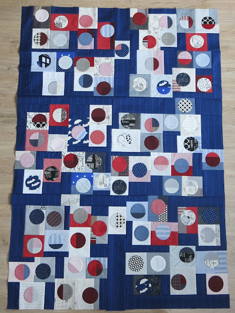 Quilty 365 - Hand applique circles - First top finished