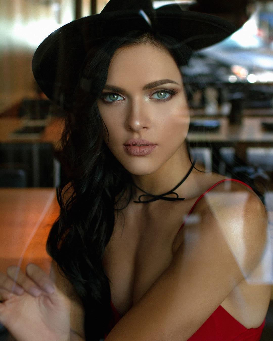 Celebrity Helen Reilly nude (15 photo), Ass, Is a cute, Instagram, butt 2019