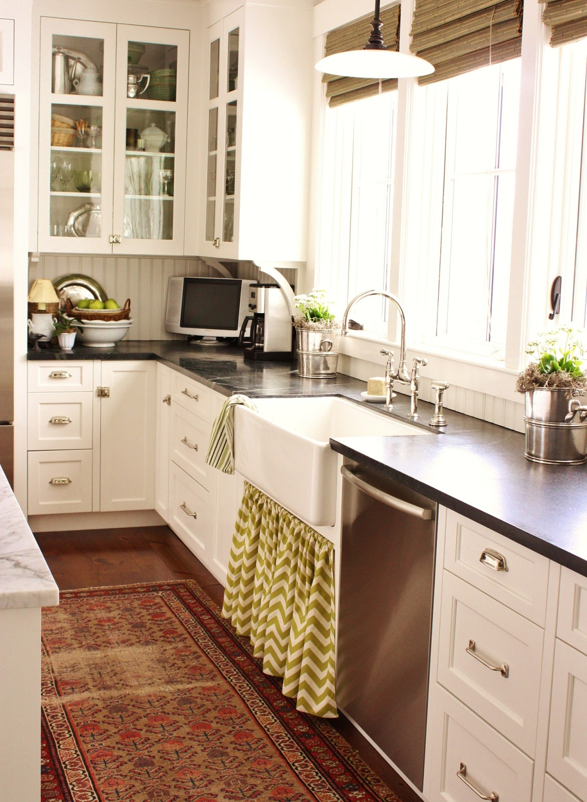 a new kitchen skirt for spring sink rug. beautiful ideas. Home Design Ideas
