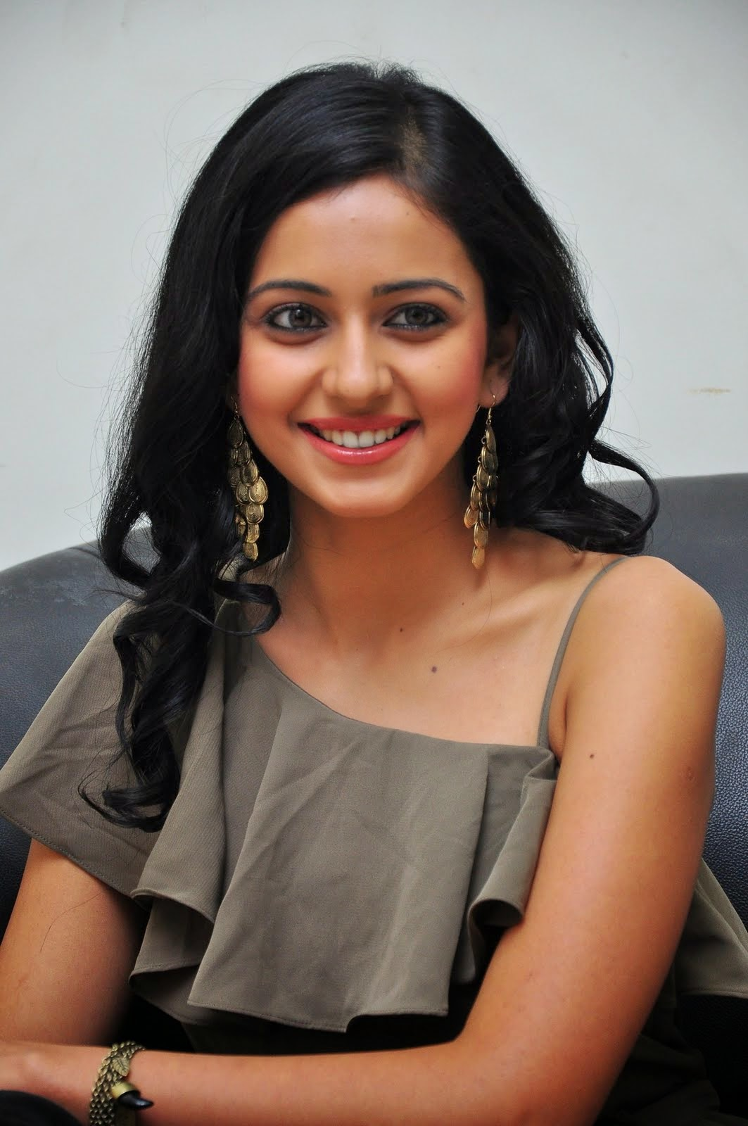 Rakul Preet Singh Cool Looking Photos In Grey Dress