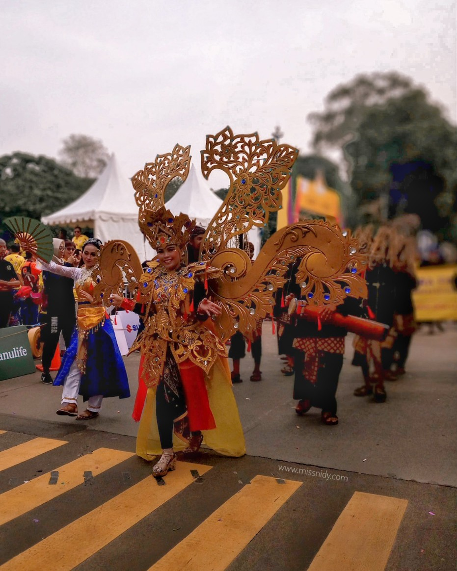 parade budaya lokal di festival pesona lokal jakarta 2018