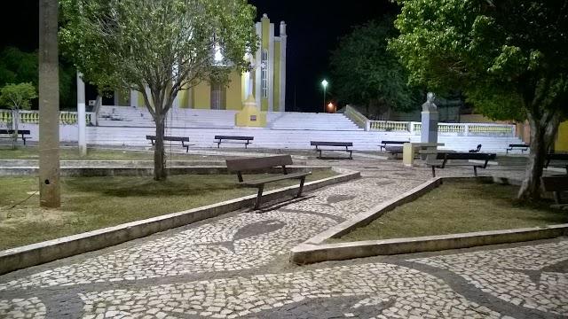 Praça da Igreja Matriz de Chaval