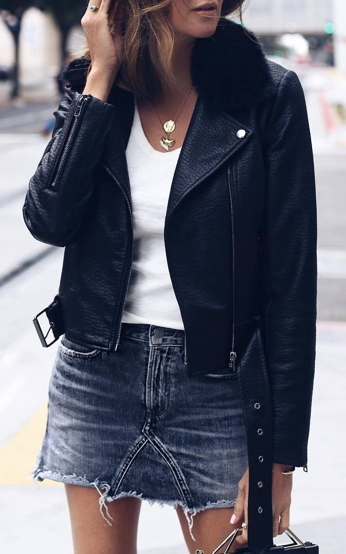 cool fall outfit to try right now : leather jacket + white tee + denim skirt