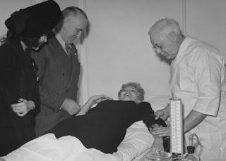 Carole Landis Linda Darnell Give Blood