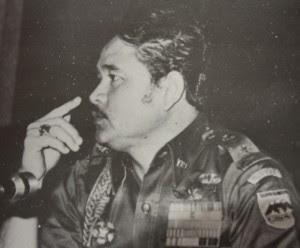 Acub Zainal Gubernur Irian Jaya Yang Tak Dilupakan