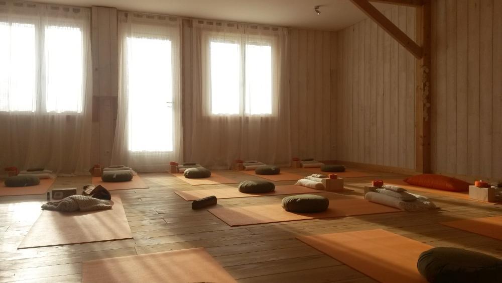 notre salle. Black Bedroom Furniture Sets. Home Design Ideas