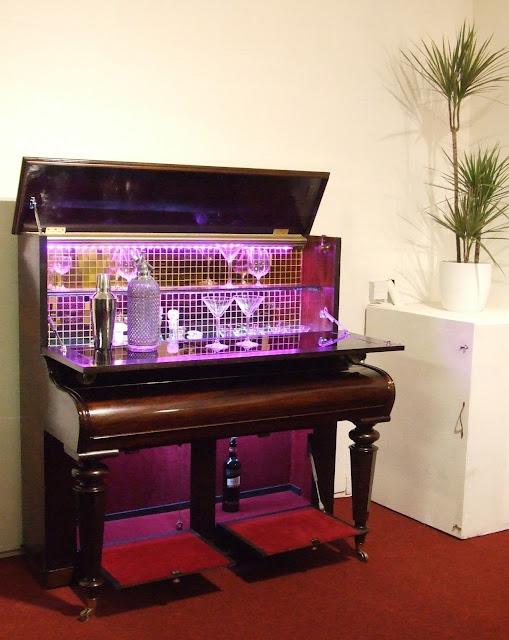 cocktail bar piano Cornwall