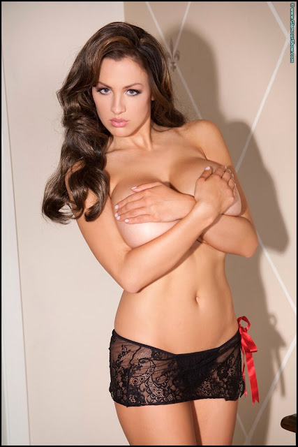 Jordan-Carver-Glam-Hottest-and-Sexiest-Photoshoot-in-HD-image-number-39