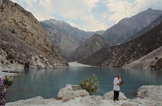 Ouzbékistan, Chakhimardan, Kurban-Kul, lac du Sacrifice, © Louis Gigout, 1999