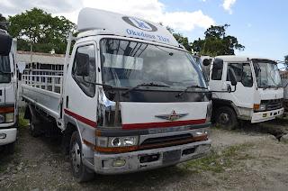 Canter Nyeupe,ni Manual Inatumia Diesel Inauzwa Tsh Million 45 Maongezi Yapo