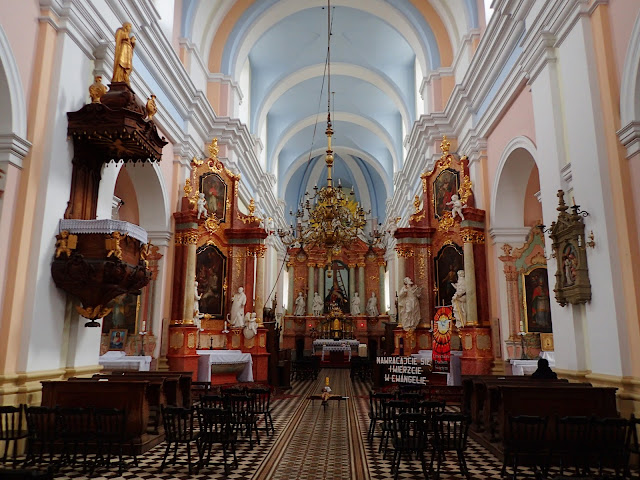 Wnętrze kościoła kartuzów w Gidlach