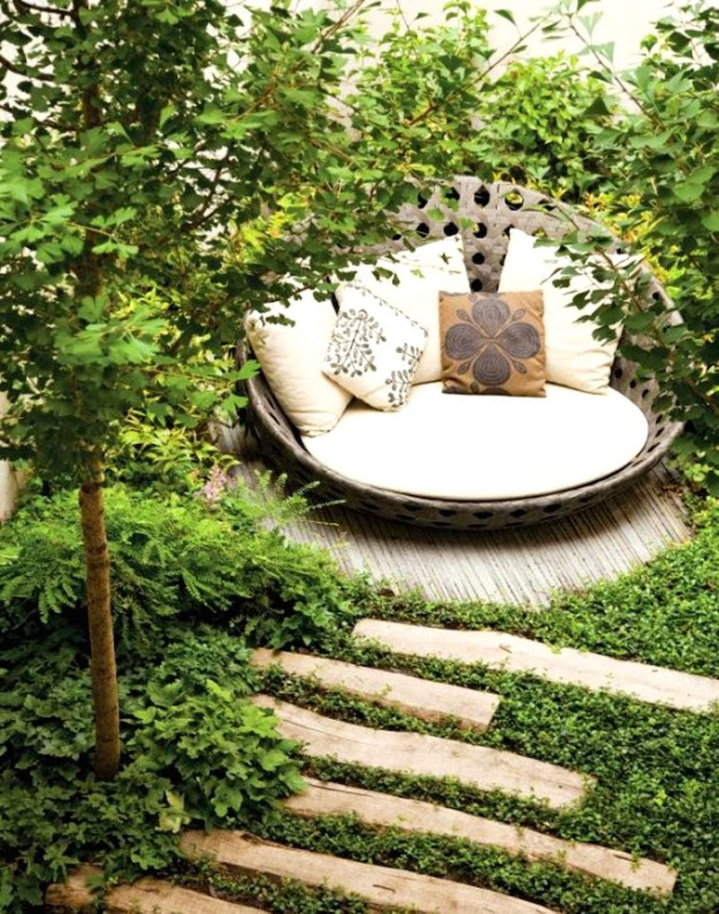 16. How many secrets have been whispered in this secret garden? Or are visitors so spellbound by the comfort and beauty they forget to talk all together? - 21 Places to Take a Nap Straight Out Of Your Fantasies