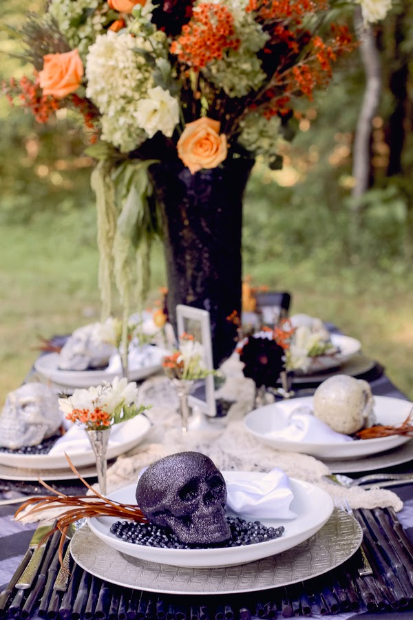 bride+groom+orange+green+violet+purple+lavender+black+halloween+wedding+october+fall+autumn+goth+gothic+day+of+the+dead+dia+de+los+meurtos+nuptials+cake+dessert+table+bridesmaid+bouquet+skeleton+skull+noir+studio+33 - The Other Side