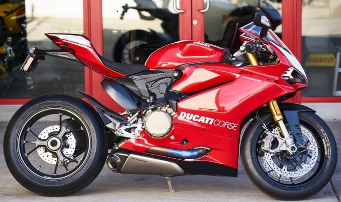 Harga Ducati Panigale R