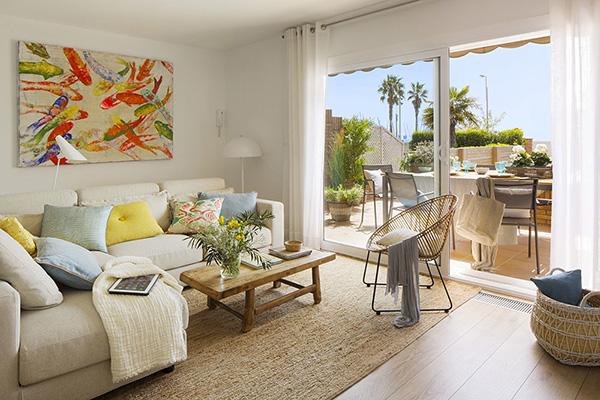 Decordemon Coastal Home With Mediterranean Style Interiors In Barcelona