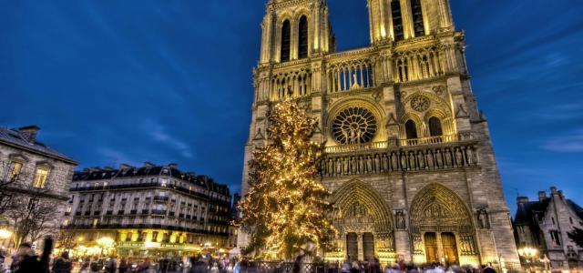 mercatini-di-natale-parigi-notre-dame-poracci-in-viaggio
