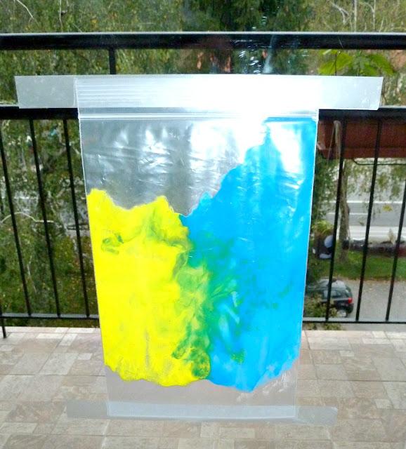 Naredi sam - barve v vrečki in slikanje brez packanja, za otroke vseh starosti.