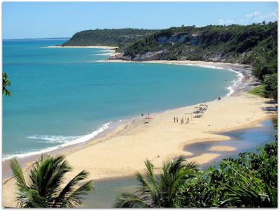 Praia do Espelho, Bahia entre os povoados de Trancoso