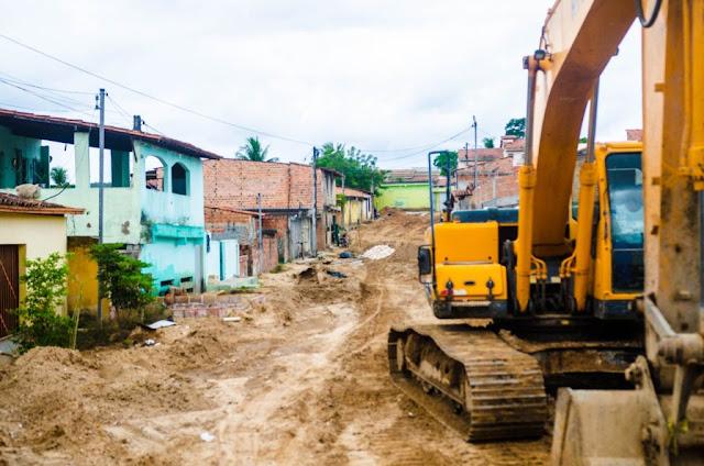Obras de macrodrenagem nas Poligonais avançam para a Rua Conselheiro Dantas