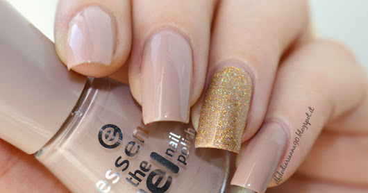 "Review e Swatches: Smalto ESSENCE The Gel N° 36 ""Dare it nude"" + Smalto ORLY ""Bling"""
