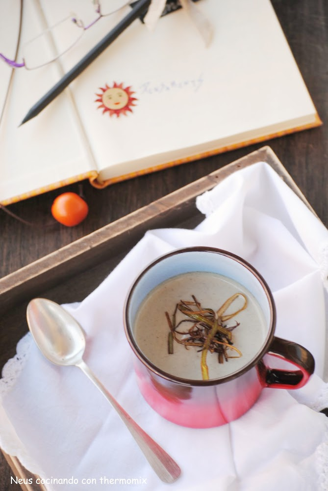 Crema de setas con crujiente de puerro con thermomix-cocinando con neus