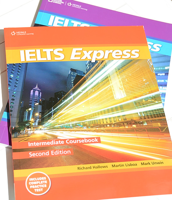 مسلسل الايلتس express IELTS-Express-Intermediate-CourseBook.jpg