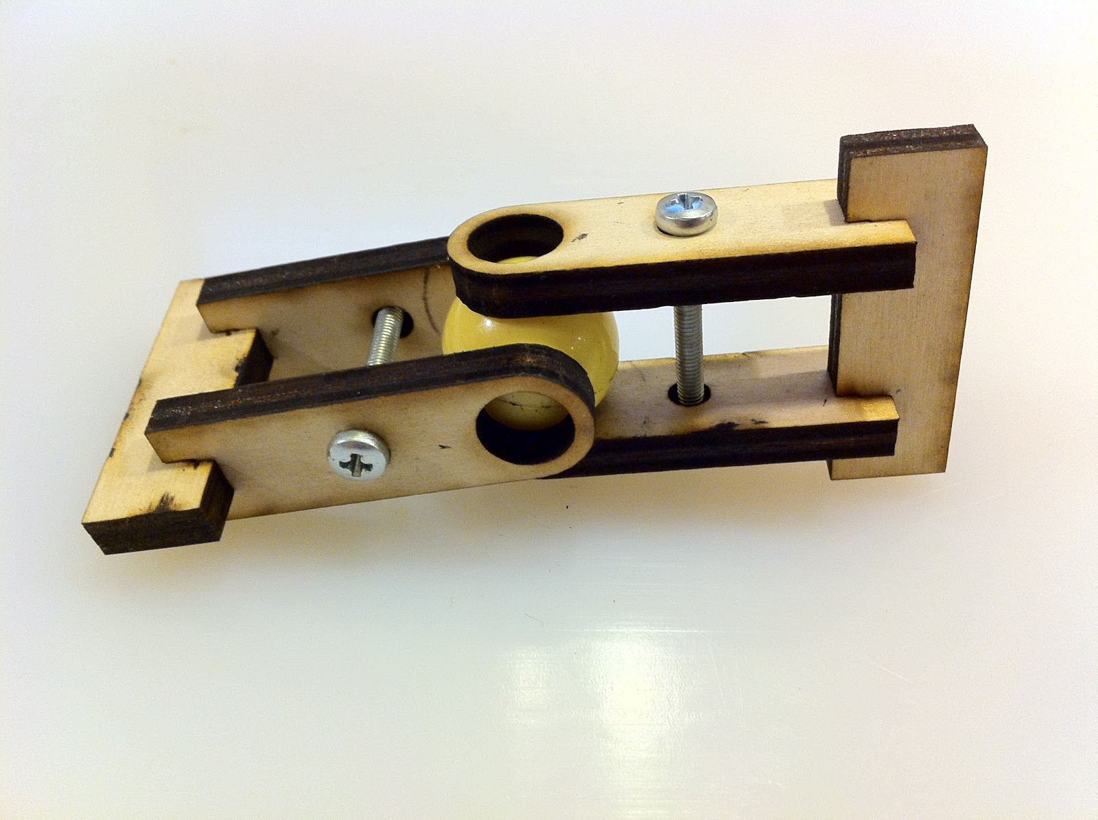 Rob Hopeless: Laser Cut Universal Joint