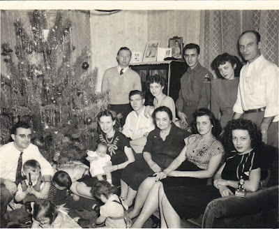 Weber family gathering for Christmas, 1946