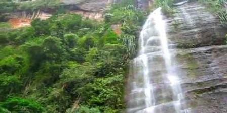lembah harau wisata lembah harau penginapan lembah harau hotel lembah harau resort lembah harau bukittinggi lembah harau payakumbuh sumbar lembah harau kebakaran lembah harau dari bukit