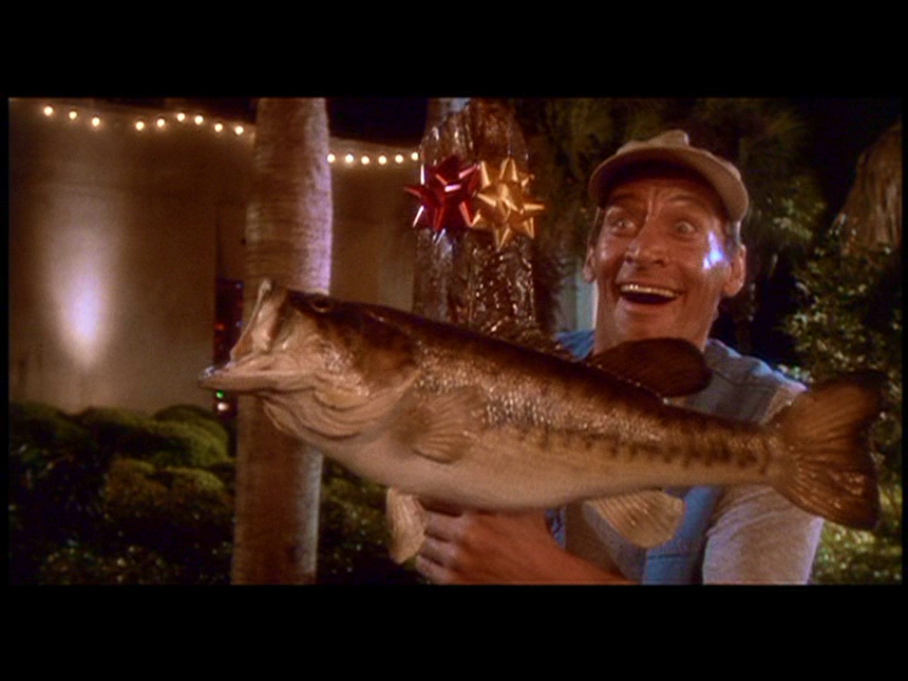 Shameless Pile of Stuff: Movie Review: Ernest Saves Christmas