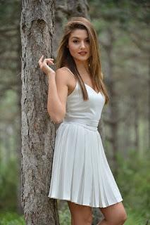most beautiful women Hande Erçel